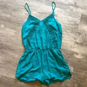 American Eagle romper with pockets Small